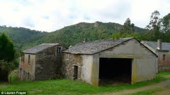 Cheapest Place To Buy A House In Usa 100 Acre Spanish Village On Sale For 163 146k In Northwest
