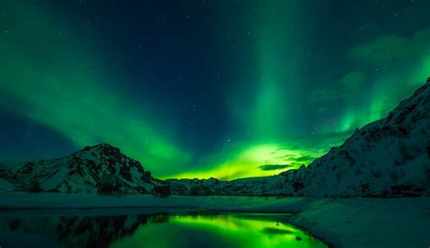 Best Time To See The Northern Lights by Best Things To Do Iceland Iceland Information Travel