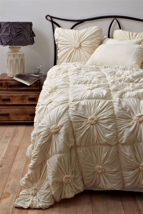 Rosette Bedding by Rosette Quilt Anthropologie Home