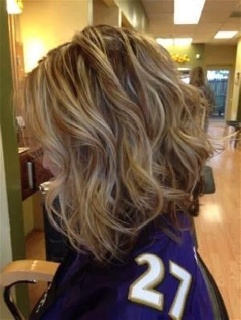 best curling wand for textured bob inverted long bob brown lowlights and blonde highlights