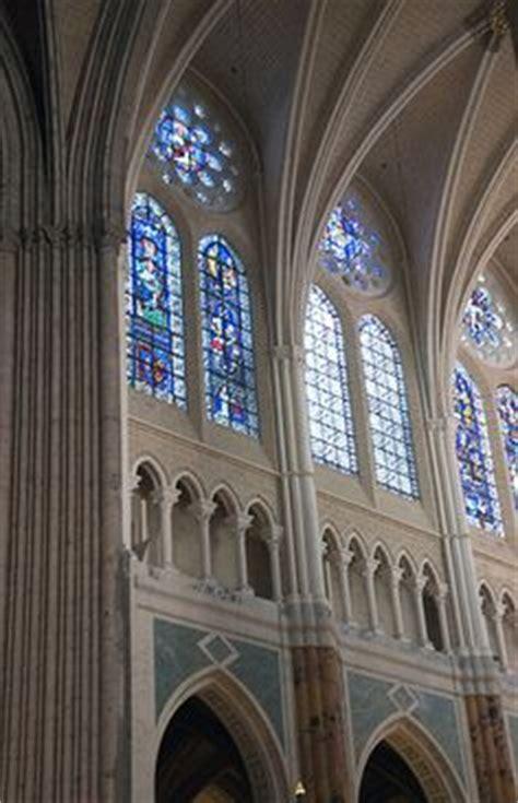 libro catedrales cathedrals las planta de la catedral de amiens la arquitectura g 243 tica del s xiii las grandes catedrales