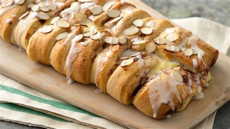 Cinnamon Roll Cheese Almond Uk 20 Cm 3 ways to eat dessert for breakfast