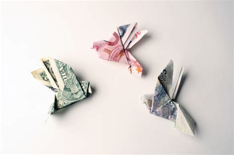 Origami Money Bird - tine de ruysser s money jewelry something to think about