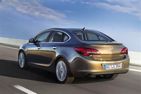 2013 Yeni Opel Astra Sedan Resimleri Ve Fiyatı Celal