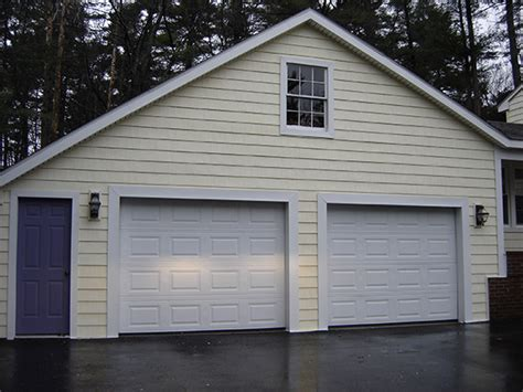 average cost to vinyl side a house prices for vinyl siding maine siding contractors maine free roofing siding estimates