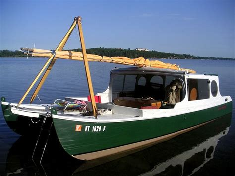 fast houseboat 25 best ideas about small houseboats on pinterest