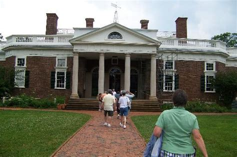 thomas jefferson house front of the house picture of thomas jefferson s monticello charlottesville