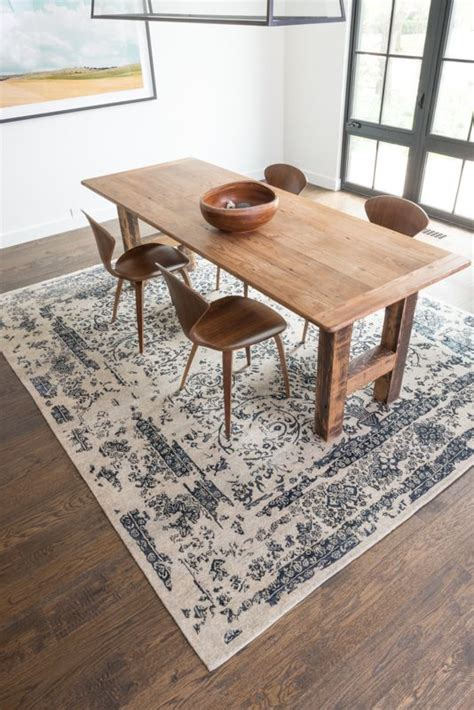 Dining Table On Carpet The 25 Best Dining Table Rug Ideas On Rug