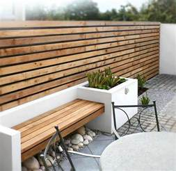 voici nos exemples pour un banc de jardin