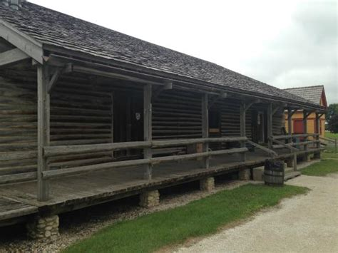 things to do in fort dodge iowa outside look picture of the fort museum frontier