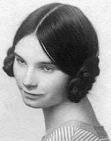 hairstyle for early 20s women s 1920s hairstyles an overview hair and makeup
