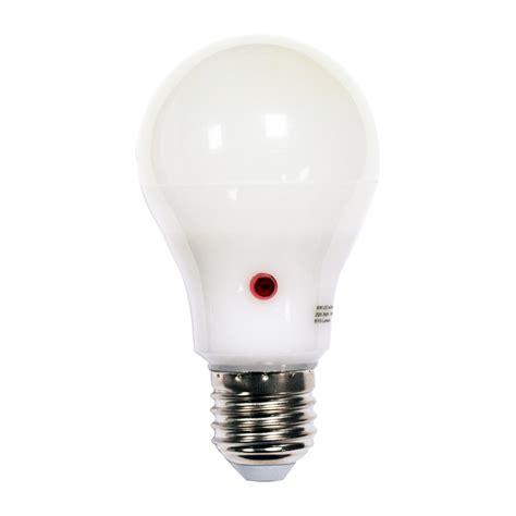 9w Led Gls Night Sensor Dusk To Dawn Light Bulb Warm Or Dusk To Led Light Bulb