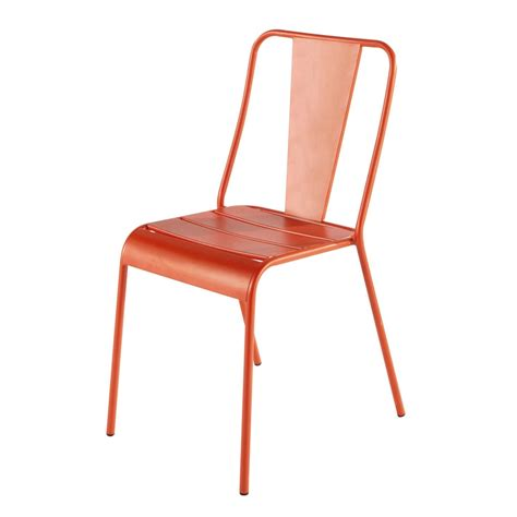 chaise en metal chaise de jardin en m 233 tal orange harry s maisons du monde