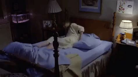 bed shaking page 3 for linda blair gifs primo gif latest animated gifs
