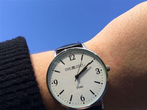 fotos gratis reloj mano hora azul minuto marcar correa puntero tiempo de