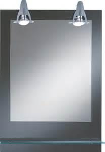 badezimmerspiegel mit beleuchtung und ablage dreams4home spiegel lichtspiegel badezimmerspiegel keyla