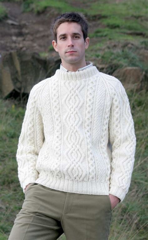 how to knit aran sweater gents mens knitted luxury aran sweater ben more by