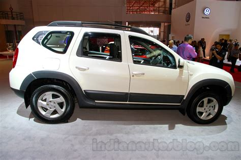 renault indonesia renault duster awd at the 2014 indonesia international