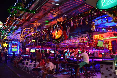 walking street  pattaya thailand freestyletravelingcom