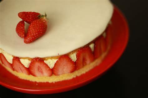 hervé cuisine brioche recette du fraisier facile et l 233 ger avec herv 233 cuisine