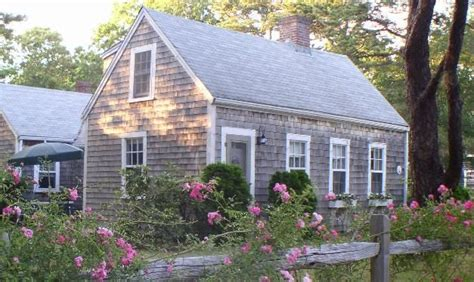 Cottage Cape Cod by Cape Cod Cottage Hooked On Houses