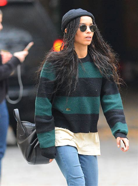 zoe kravitz casual outfits take a dive into the effortless cool of zo 235 kravitz s bag