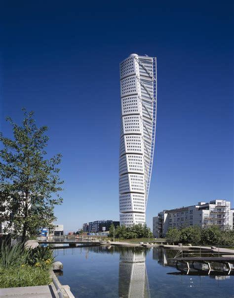 santiago calatrava turning torso tower malmo sweden malm 246 s turning torso wins 10 year award from ctbuh