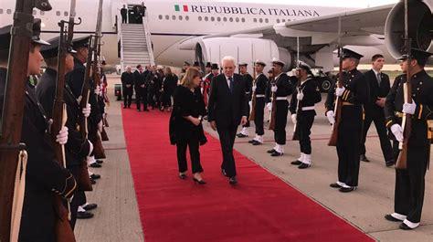 presidente italia el presidente de italia lleg 243 al pa 237 s acompa 241 ado por
