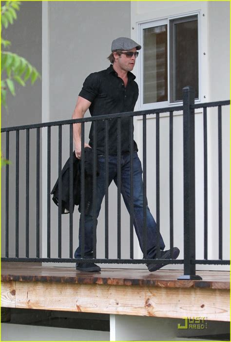Background Check New Orleans Brad Pitt Checks Up On New Orleans Photo 2475889 Brad Pitt Pictures Just Jared