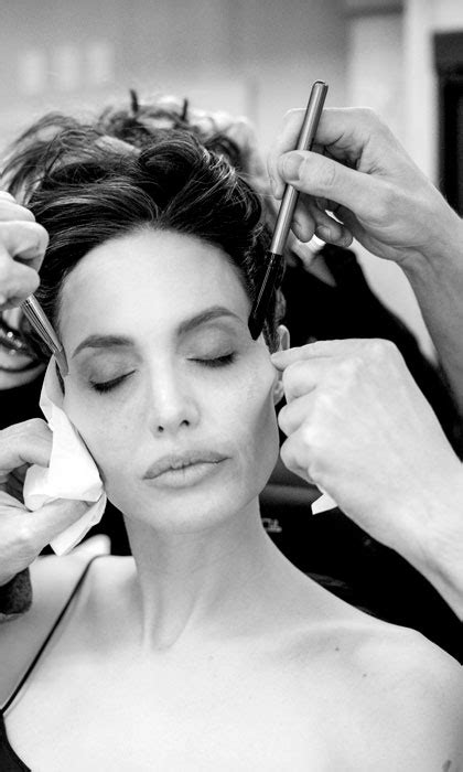 Watch as Angelina Jolie transforms into 'Maleficent' - Photo 2