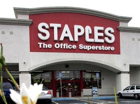 Staples Office Supplies Locations by Staples Closing 70 Stores No Word On Illinois Locations