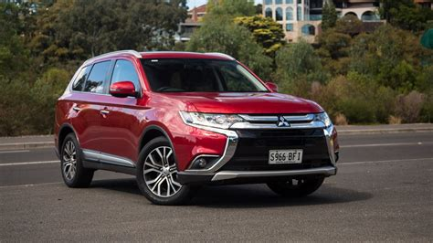 2017 mitsubishi outlander sport limited edition 2017 mitsubishi outlander sport limited edition price uae