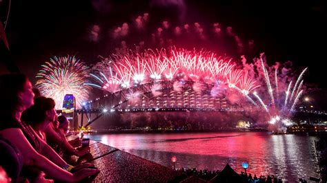 new year in sydney celebrating new year s around the globe expedia viewfinder