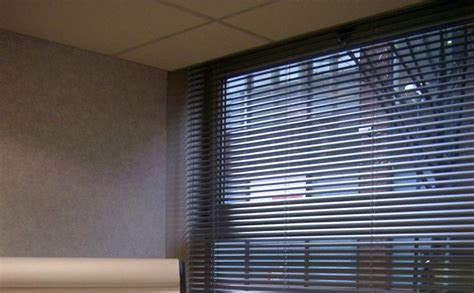 Window Shade Venetian Blinds by How Different Types Of Office Window Blinds Can Change A