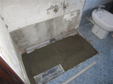 piatto doccia filo pavimento piastrellabile foto piatto doccia in muratura di d p edilizia generale