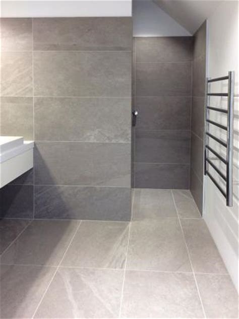 Bluestone Flooring Interior by Bluestone Using Large Format Tiles In Small Spaces