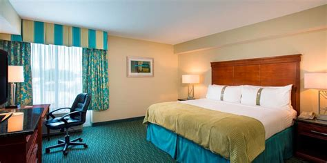 standard king hotel room picture orlando hotel rooms with king size beds at the inn resort orlando lake buena vista