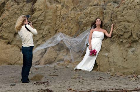 Wedding Photography File Wedding Photographer Preparing Jpg Wikimedia