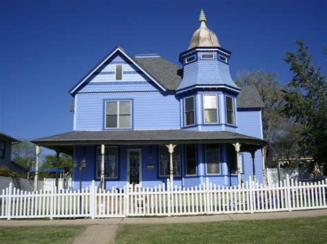 the big blue house panoramio photo of the big blue house