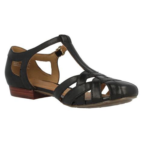 closed toe sandal clarks leather t bar closed toe summer sandals