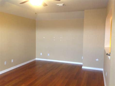 Room Vacant by Mcdermott Enterprises Llc Quincy Il Rental Properties