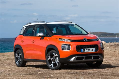 essai comparatif le citroen  aircross defie le peugeot  photo  largus