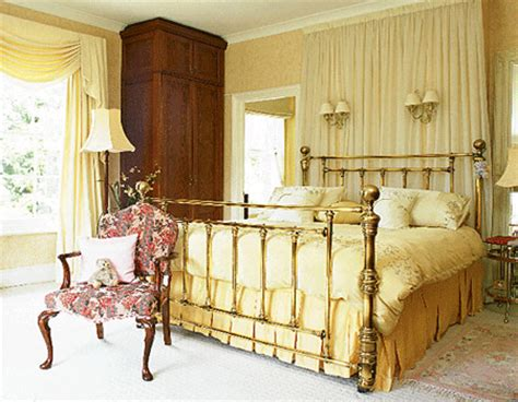 yellow and cream bedroom yellow bedroom decorating ideas car image