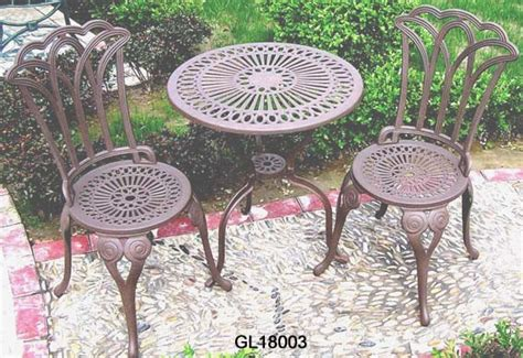 Cast Iron Bistro Table And Chairs China Cast Iron 3pc Bistro Table And Chair Set Gl18003 China Bistro Set Garden Furniture