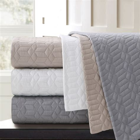 what is a coverlet used for use as a coverlet quilted blankets made with 100 cotton