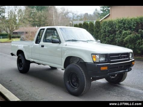 how cars run 1994 toyota xtra interior lighting 1994 toyota tacoma dx 4x4 v6 5 speed manual 147k miles 5 speed manual 2 door tr