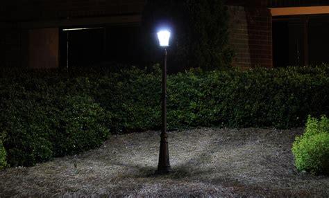 Amazon Com Gama Sonic Victorian Solar L Post And Landscape Light Post