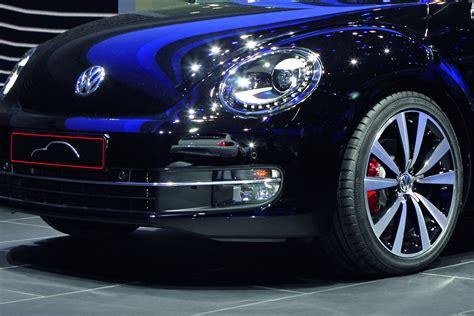 iaa  volkswagen pays tribute  fender   beetle concept carscoops