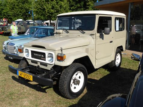 Toyota Land Cruiser Vintage Toyota Land Cruiser Bj40 Vintage Cars Bikes In