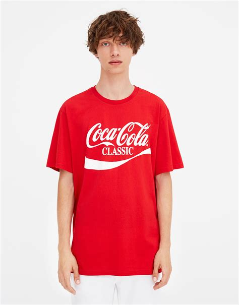 Bershka Tshirt Cola Cola pull coca cola classic t shirt at 163 12 99 the